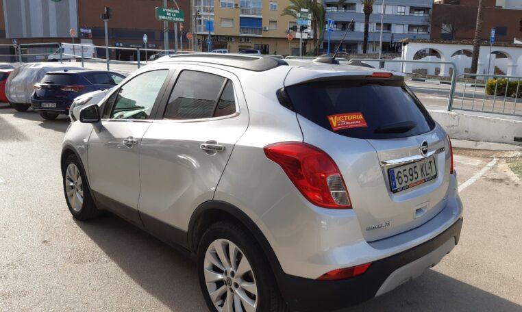Venta Opel Mokka X coche de ocasión en Calpe esquina trasera izquierda