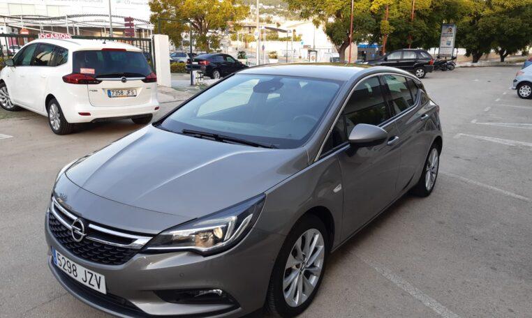 Esquina frontal izquierda- coche de ocasión en Calpe Opel Astra Automático