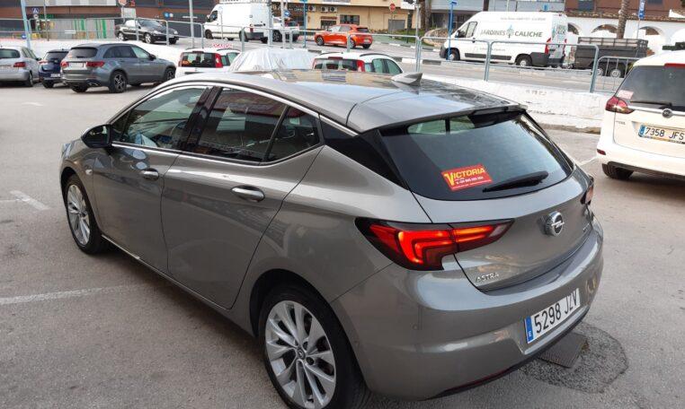 Esquina trasera izquierda - coche de ocasión en Calpe Opel Astra Automático